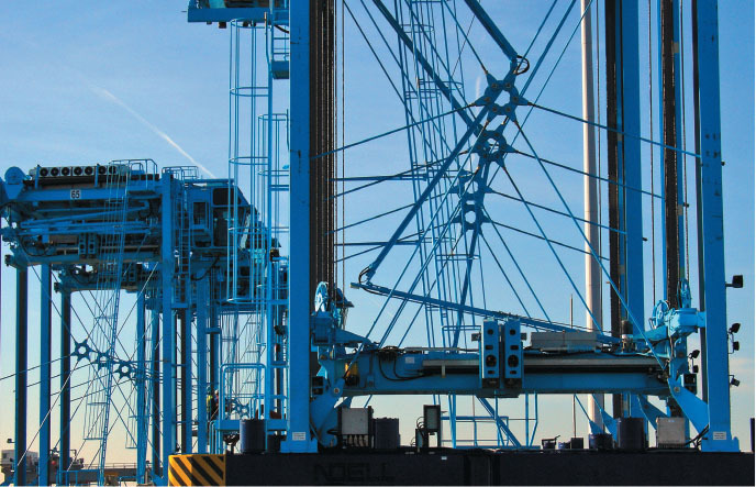 the apmt rotterdam container terminal in rotterdam
